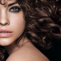 6 Tips para cuidar el pelo rizado
